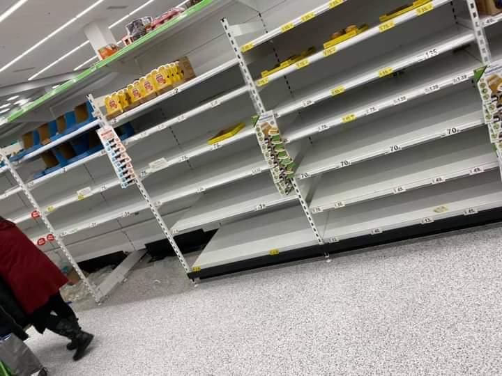 Κορωνοϊός – Βρετανία : «Επίθεση» στα ράφια των σούπερ μάρκετ υπό τον φόβο νέου lockdown | tovima.gr