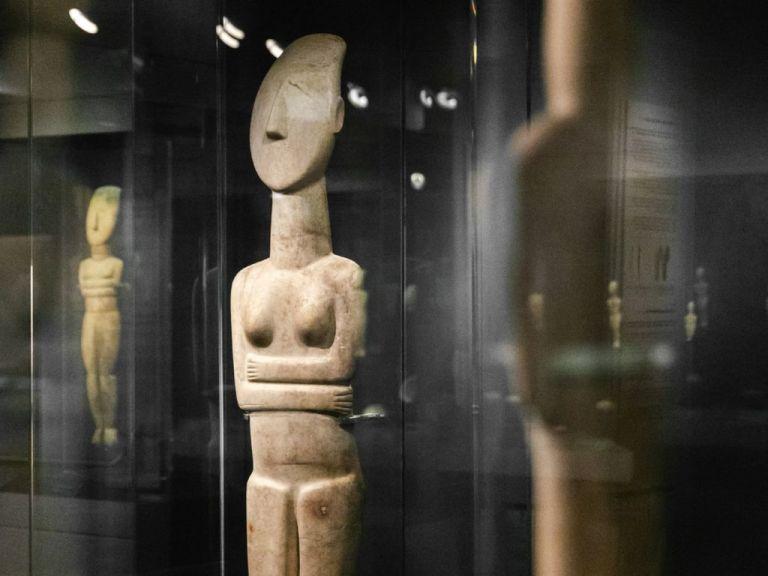 Ψηφιακές ξεναγήσεις σε όλες τις μόνιμες συλλογές του Μουσείου Κυκλαδικής Τέχνης | tovima.gr