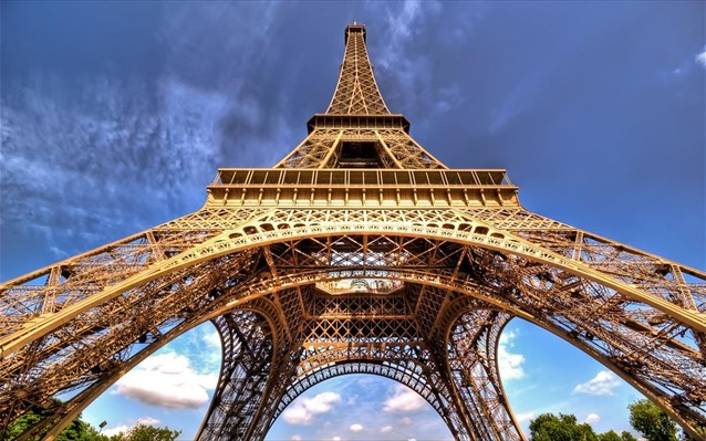 Εκκενώθηκε ο Πύργος του Αϊφελ : Άγνωστος απειλεί να τον ανατινάξει | tovima.gr