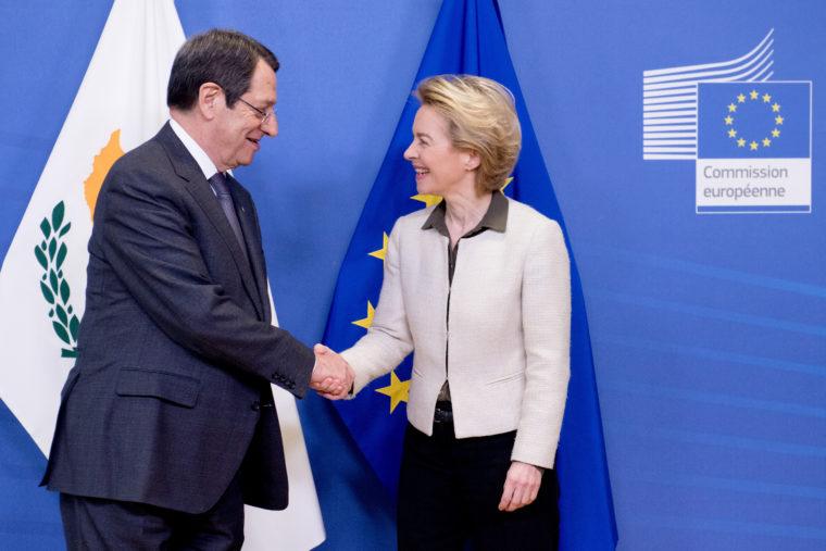 Μπαράζ διπλωματικών επαφών: Μετά τον Ερντογάν η Φον ντερ Λάιεν μίλησε και με Αναστασιάδη | tovima.gr