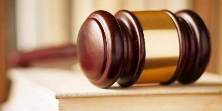 Μεγαλογιατρός συνελήφθη στην Αθήνα για φακελάκι 2.000 ευρώ | tovima.gr