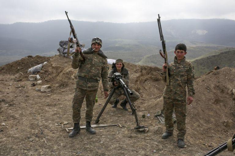 Ναγκόρνο Καραμπάχ : Κίνδυνος γενίκευσης των εχθροπραξιών – Αντιδράσεις από τη διεθνή κοινότητα | tovima.gr