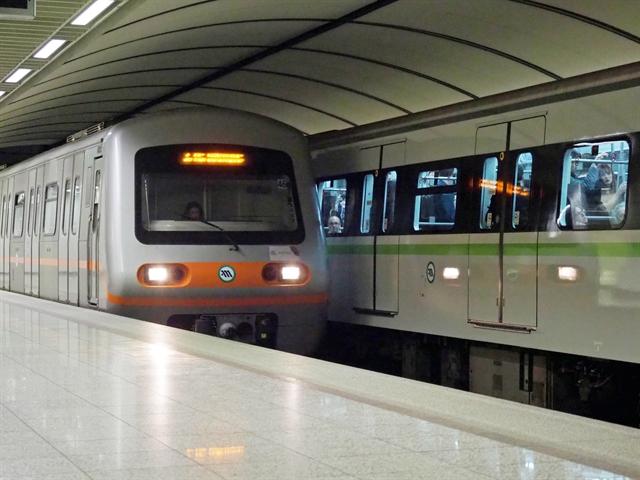 Κορωνοϊός : Αναστάτωση στο μετρό – Θετικός οδηγός | tovima.gr