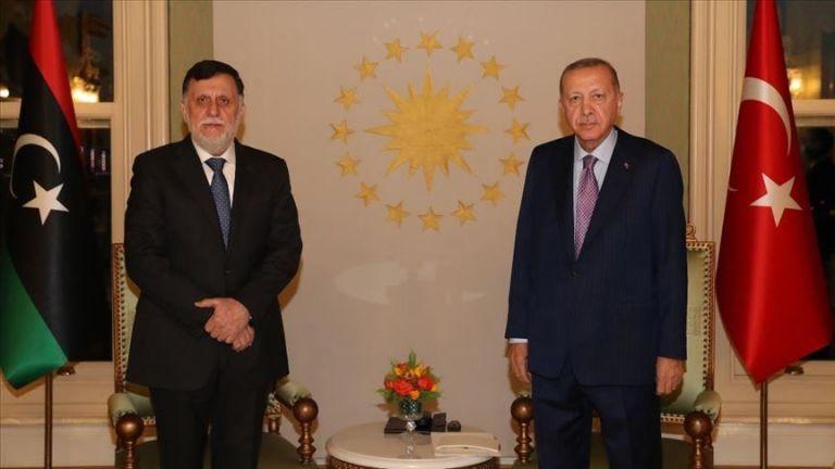 Συνάντηση Ερντογάν – Σάρατζ στην Κωνσταντινούπολη | tovima.gr