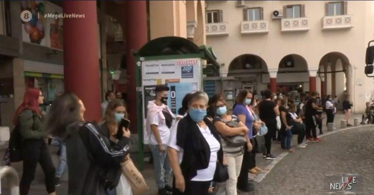 Κορωνοϊός : Εικόνες απίστευτου συνωστισμού στα ΜΜΜ – Τρύπα στο «νερό» τα επιπλέον λεωφορεία   tovima.gr