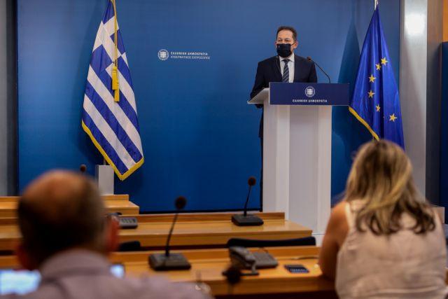 Η ενημέρωση των πολιτικών συντακτών από τον Στέλιο Πέτσα (live) | tovima.gr