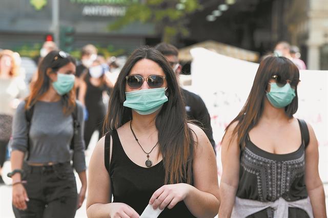 Γώγος στο MEGA: Μικρή η πιθανότητα μετάδοσης αν φορούν όλοι μάσκα | tovima.gr