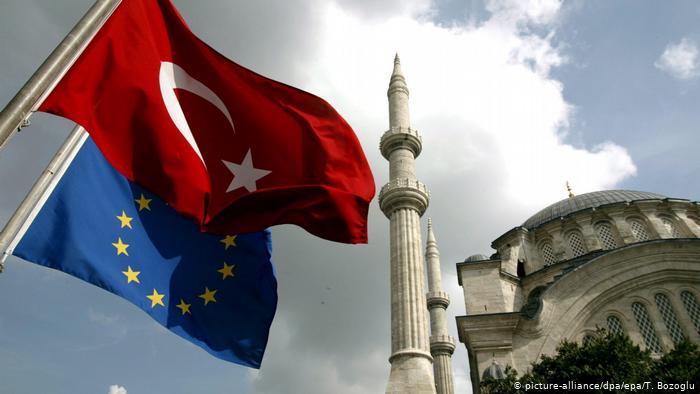 Αιχμές Κομισιόν για την τουρκική προκλητικότητα   tovima.gr