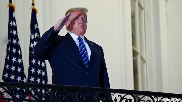 Ο Τραμπ συνεχίζει να είναι στον κόσμο του | tovima.gr
