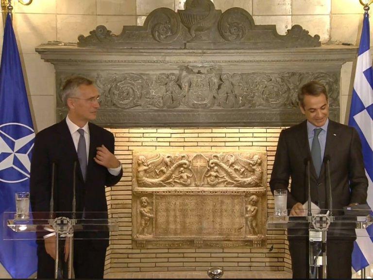 Mitsotakis, Stoltenberg seek Greek-Turkish talks, Turkish commitment to de-escalation | tovima.gr