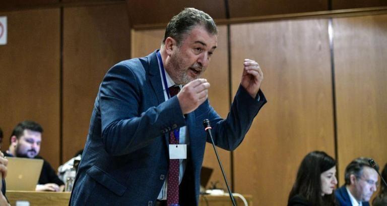 Παπαδάκης: Aσυμβίβαστο για τους καταδικασθέντες σε εγκληματική οργάνωση | tovima.gr