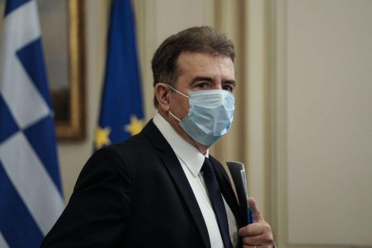 Χρυσοχοΐδης σε ΣΥΡΙΖΑ: Σε 7 μήνες ρίξατε 3πλάσια χημικά από όσα σε όλη τη διακυβέρνηση ΝΔ | tovima.gr