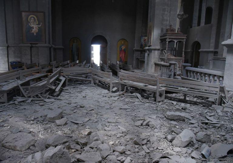 Αρμενία : Καταστροφές σε καθεδρικό και τρεις δημοσιογράφοι τραυματίες | tovima.gr