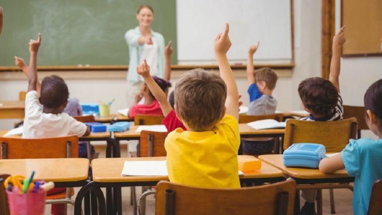 Σχολεία: Πρόσληψη 2.800 ψυχολόγων και κοινωνικών λειτουργών | tovima.gr