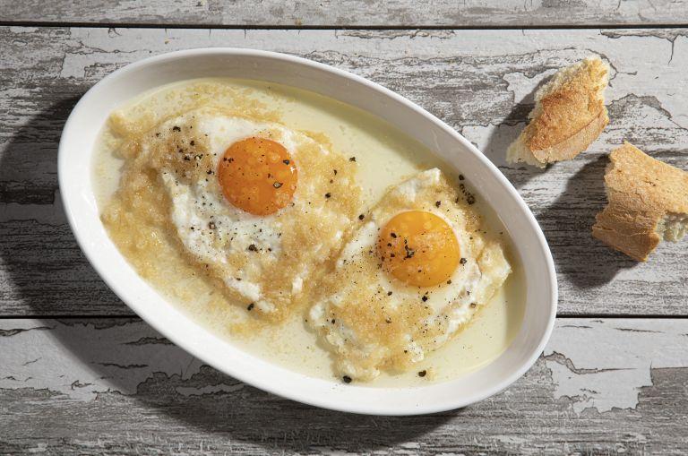 Αβγά με στάκα χανιώτικα | tovima.gr