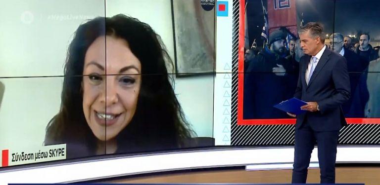 Η «επικηρυγμένη» από τη Χρυσή Αυγή δασκάλα μιλά για την «εισβολή» Λαγού στο σχολείο της | tovima.gr