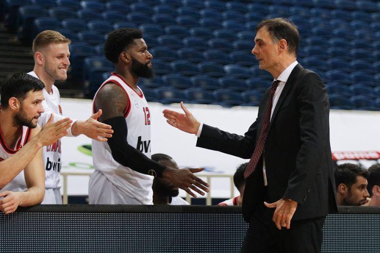 Μπαρτζώκας : «Ικανοποιημένος από τους παίκτες μου, λείπει ο κόσμος από τις εξέδρες» | tovima.gr