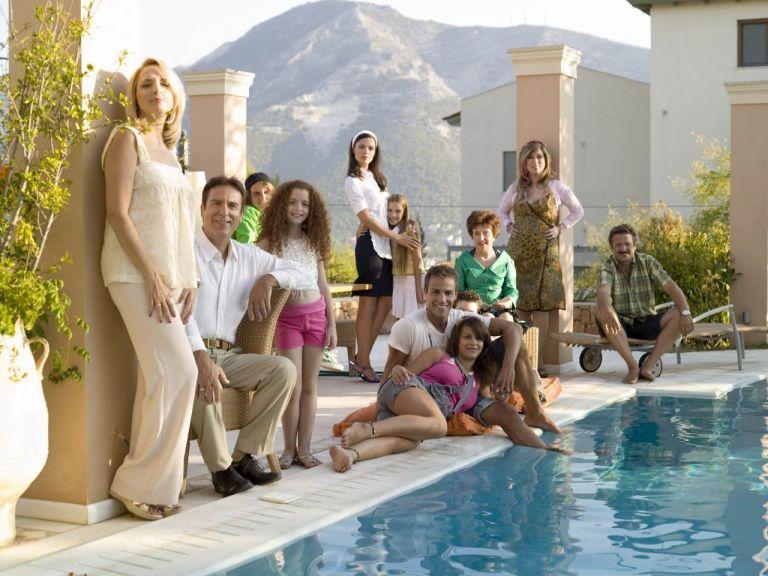 «Λατρεμένοι μου γείτονες» & «L.A.P.D» επιστρέφουν στο MEGA | tovima.gr