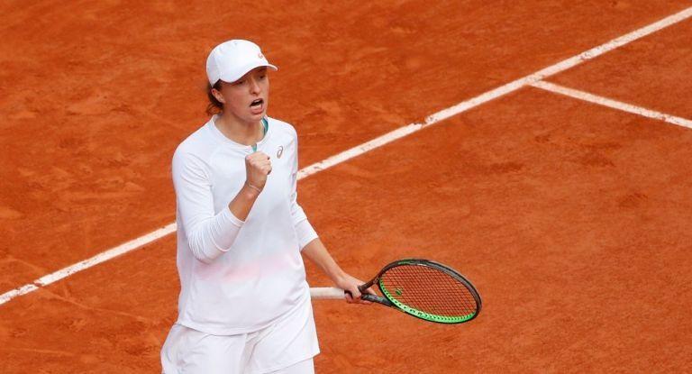 Roland Garros : «Βασίλισσα» στο Παρίσι η Σβιάτεκ | tovima.gr
