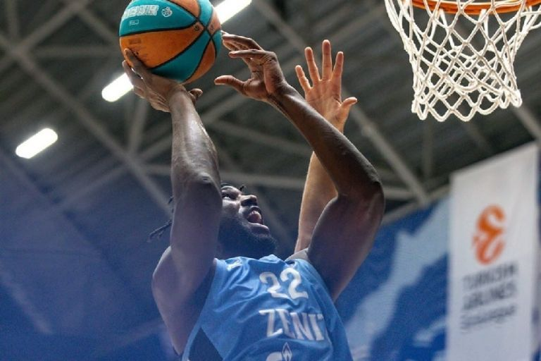 Άλεξ Πόιθρες : Συνεχίζει να εντυπωσιάζει τη Euroleague ο ταλαντούχος αμερικανός | tovima.gr
