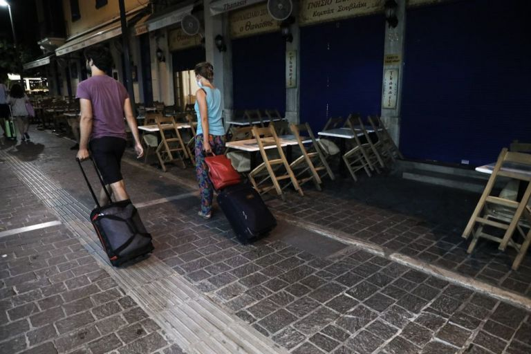 Παπαθανάσης στο MEGA: Σκοπός δεν είναι να κλείνουν τα καταστήματα, αλλά να τηρούνται τα μέτρα | tovima.gr