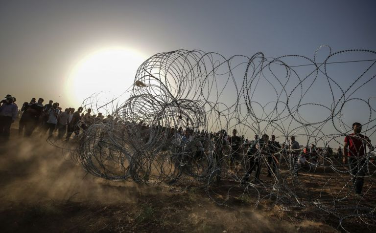 Έκκληση ΟΗΕ για Παλαιστίνιους: Ψάχνουν φαγητό στα σκουπίδια | tovima.gr