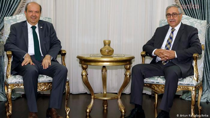 Σύγκρουση Ακιντζί-Τατάρ για την ηγεσία των Τουρκοκυπρίων | tovima.gr