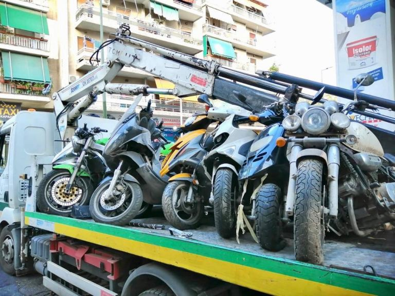 Δήμος Αθηναίων : Απομακρύνθηκαν 2.300 εγκαταλελειμμένα οχήματα σε ένα χρόνο   tovima.gr