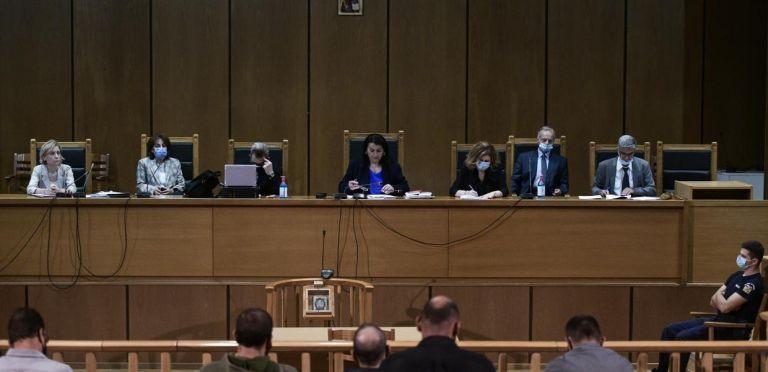 Χρυσή Αυγή : Αυτές είναι οι οριστικές ποινές μετά τις συγχωνεύσεις – 13 χρόνια και 6 μήνες στον Μιχαλολιάκο | tovima.gr