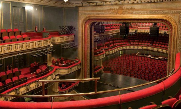 Εθνικό Θέατρο: Ανοίγει ξανά με νέο ρεπερτόριο και ηχηρό μήνυμα | tovima.gr