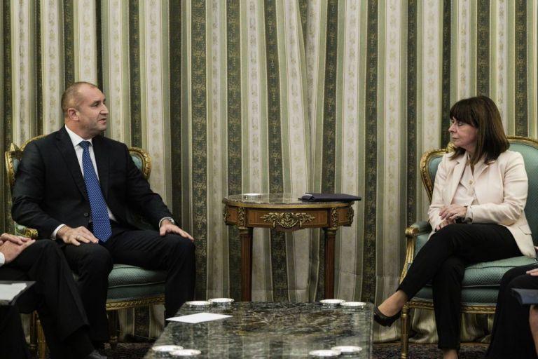 Σακελλαροπούλου : Η τουρκική παραβατικότητα στη συνάντηση με τον βούλγαρο πρόεδρο | tovima.gr