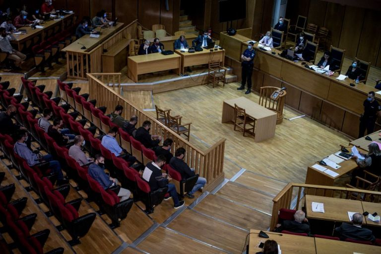 Δίκη Χ.Α. : Τις αναστολές κρίνει το δικαστήριο   tovima.gr