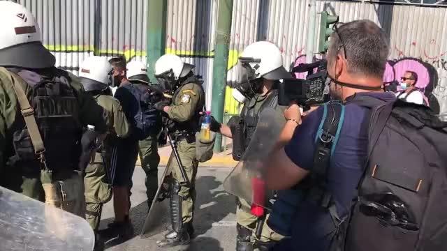 Επεισόδια στο κέντρο της Αθήνας – Σε εξέλιξη οι πορείες | tovima.gr
