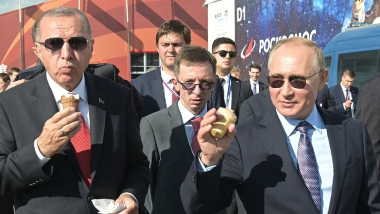 DieZeit : Πούτιν, Ερντογάν, Τραμπ  – Το «καρτέλ των οπορτουνιστών»   tovima.gr