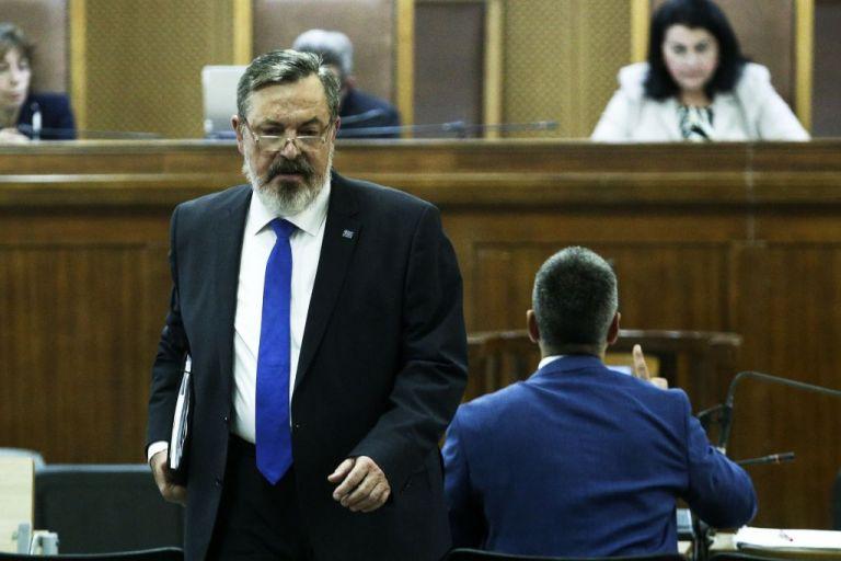 Δίκη Χρυσής Αυγής : Αναστολή ζητά ο Παππάς | tovima.gr