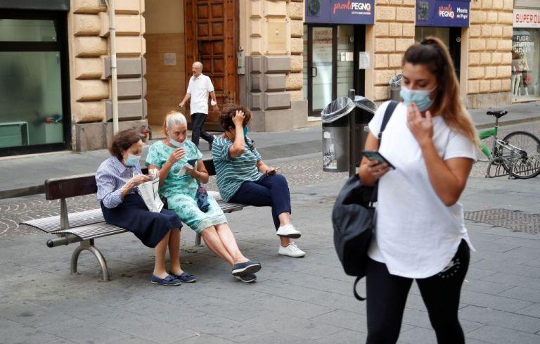 Ιταλία: 10.925 κρούσματα σε μια μέρα – «Αύξηση της τηλεργασίας» ζητά ο υπουργός υγείας | tovima.gr