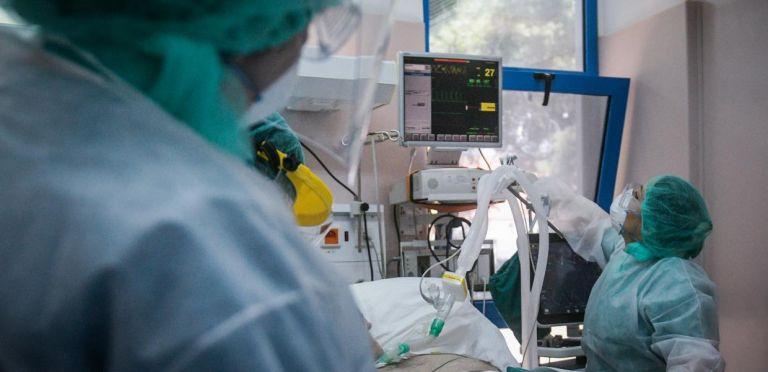 Τα «σκληρά δεδομένα» στην πανδημία: οι διασωληνωμένοι | tovima.gr