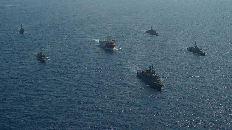 Πόλεμος νεύρων με το Oruc Reis: Εφτασε στα 6,1 ναυτικά μίλια από τη Ρω | tovima.gr