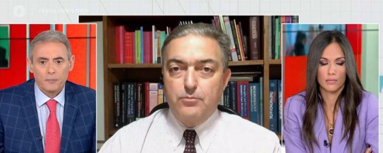 Βασιλακόπουλος στο MEGA: Προτιμότερη η διασκέδαση στα μπαρ με μέτρα παρά ο συνωστισμός στις πλατείες | tovima.gr
