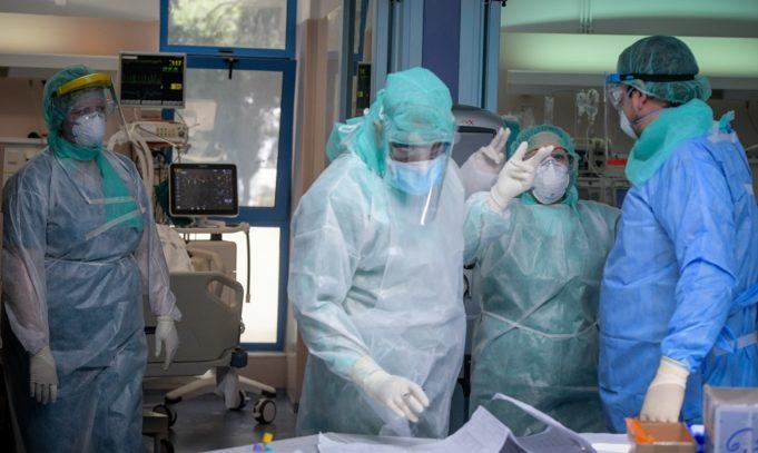 Κορωνοϊός : Υπό ασφυκτική πίεση το ΕΣΥ – Αγγίζουν τους 1.000 οι νοσηλευόμενοι – Ειδήσεις – νέα