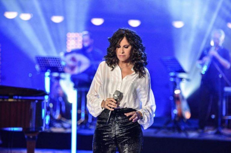 Σπίτι με το Mega : Η μεγάλη συναυλία της Ελευθερίας Αρβανιτάκη | tovima.gr