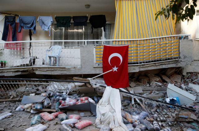 Σεισμός : Νέες ευχαριστίες Ερντογάν στις χώρες που πρόσφεραν βοήθεια στη Σμύρνη | tovima.gr