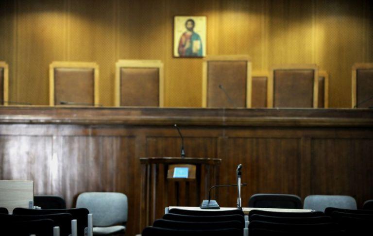 Κορωνοϊός : Τον περιορισμό λειτουργίας των ποινικών δικαστηρίων ζητά η Ένωση Εισαγγελέων | tovima.gr