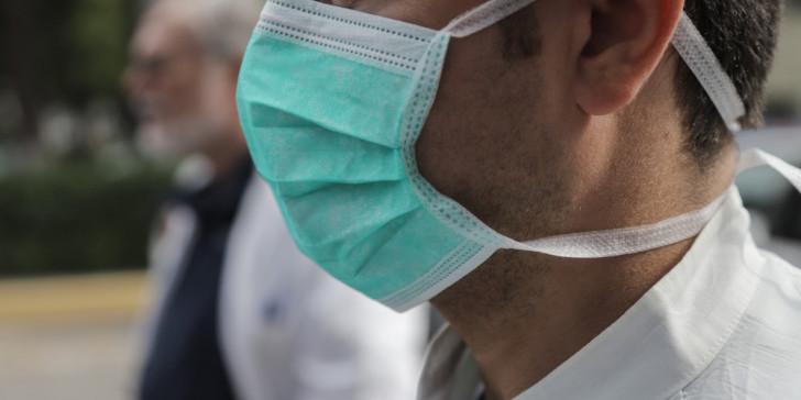 Κορωνοϊός: Γιατί θα πρέπει να φοράμε μάσκες ακόμα και μετά το εμβόλιο | tovima.gr