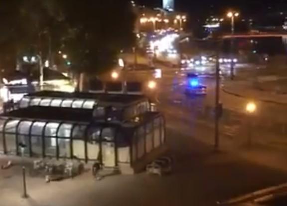 Tρόμος στην Αυστρία : Εικόνες σοκ από την επίθεση στη Βιέννη [φωτογραφίες – βίντεο] | tovima.gr