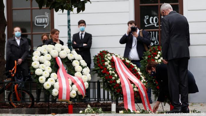 Επίθεση στη Βιέννη : Τριήμερο εθνικό πένθος στην Αυστρία | tovima.gr