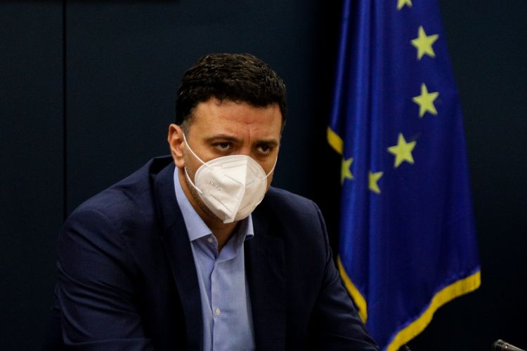 Greece enters three-week lockdown as COVID-19 epidemic spins out of control | tovima.gr