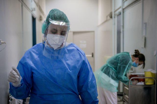 Μόσιαλος : Έρχεται μεγαλύτερη πίεση στο Σύστημα Υγείας – Πιθανά τα περιοδικά lockdown | tovima.gr