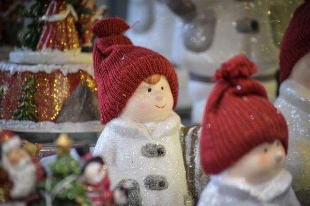 Lockdown : Κλείνουν πριν ανοίξουν τα μαγαζιά με χριστουγεννιάτικα είδη | tovima.gr