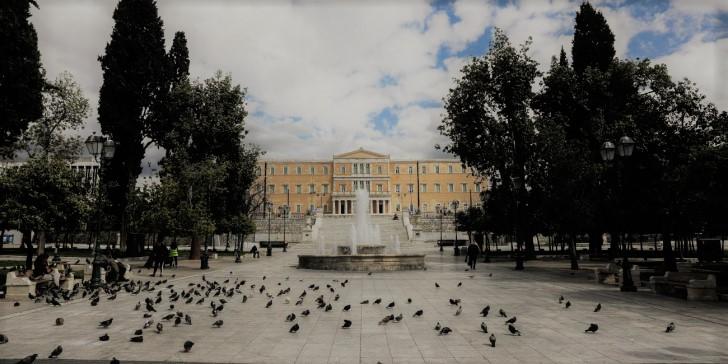 Διμέτωπος αγώνας | tovima.gr